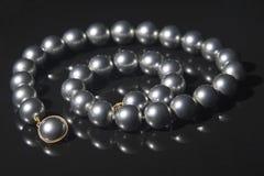 Schwarzes perlt Halskette Lizenzfreies Stockfoto
