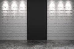Schwarzes Teil der weißen Backsteinmauer mit konkretem Boden im leeren Raum Lizenzfreie Stockfotos