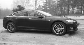 Schwarzes Tesla-Modell S Stockfoto