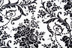 Schwarzes u. weißes nahtloses Blumenmuster Stockfotografie