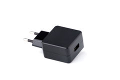 Schwarzes USB-Elektronikgerätladegerät lokalisiert stockbild