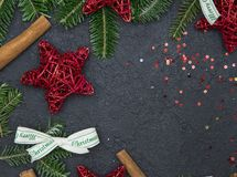 Schwarzes Weihnachts- oder des neuen Jahreshintergrund Stockfoto