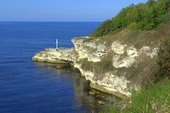 Schwarzmeerküste mit Kreuz Stockfoto