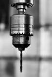 Schwarzweiss-Abbildung eines Bohrgerätkopfes stockfotos