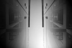 Schwarzweiss-Architekturgebäude Lizenzfreie Stockbilder