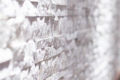 Schwarzweiss-Backsteinmauerkunst konkret oder Steinbeschaffenheitshintergrund in weißem verwischt lizenzfreie stockfotografie