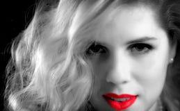 Schwarzweiss-Fotos mit rote Farbakzenten Stockfotos