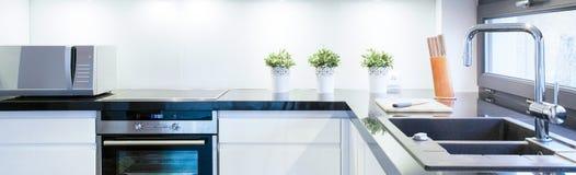 Schwarzweiss-Küche Stockfotografie