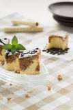 Schwarzweiss-Kuchen mit Oblate Rolls Stockbilder