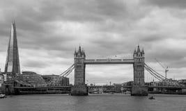 Schwarzweiss--London-Turm-Brücke Stockbilder