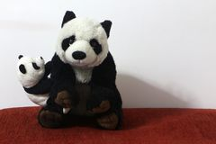 Schwarzweiss-Pandapuppe lizenzfreies stockbild