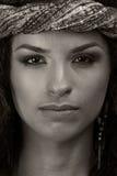 Schwarzweiss-Porträt des jungen Mädchens Stockfotografie