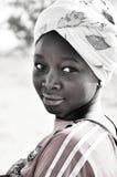 Schwarzweiss-Portrait der afrikanischen Frauen Stockfotos