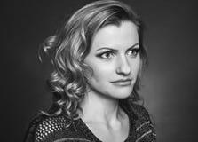 Schwarzweiss-Porträtmädchen Stockbilder