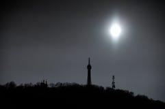 Schwarzweiss-Schattenbild von Petrin-Hügel in Prag, Tschechische Republik Lizenzfreie Stockfotos