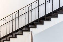 Schwarzweiss-Treppe lizenzfreies stockbild