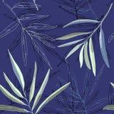 Schwarzweiss-- und grüne Blätter von Palmen auf einer blauen Hintergrundillustration Nahtloses Muster lizenzfreie abbildung