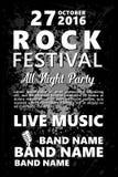 Schwarzweiss-Weinlese-Rockfestivaldesignschablone mit Menge auf Rückseite und Platz für Text Felsenplakathintergrund vektor abbildung