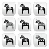 Schwede Dala, Dalecarlian-Pferd mit Winter, nordisches Muster knöpft Stockbilder