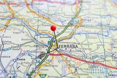 Schweden Stockholm, am 7. April 2018: Europäische Städte auf Karten-Reihen Nahaufnahme von Ferrera Lizenzfreies Stockbild