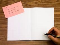 Schwedisch; Lernen von neuen Sprachschreibens-Wörtern auf dem Notizbuch Lizenzfreie Stockfotos
