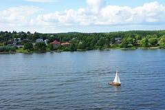 Schwedische Inseln im Sommer lizenzfreie stockfotos