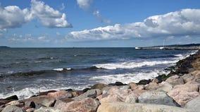 Schwedische Küstenlinie in Helsingborg stock video