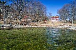 Schwedische Zeit der Seebucht im Frühjahr Stockbild