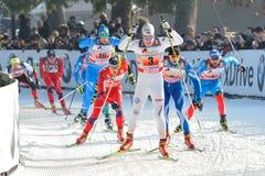Schwedischer Skifahrer Halfvarsson - Mailand-Rennen in der Stadt Lizenzfreie Stockfotografie