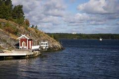 Schwedisches Bootshaus Stockbilder