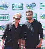 Schwedisches DJ-Duo Cazzette nimmt an dem Arthur Ashe Kids Day 2013 bei Billie Jean King National Tennis Center teil Stockbild
