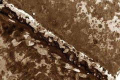 Schweißen auf rostigem Metall im braunen Ton stockfotografie