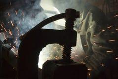 Schweißen des Metalls Lizenzfreie Stockfotografie