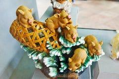 Schweine _keramische Skulptur Stockbild