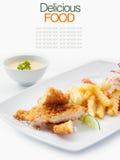 Schweinefleisch cordon bleu mit Pommes-Frites Lizenzfreie Stockfotos
