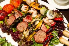 Schweinefleisch und Meeresfrüchte BBQ Stockfotos