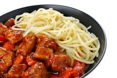 Schweinefleischeintopfgericht mit Teigwaren Lizenzfreies Stockfoto