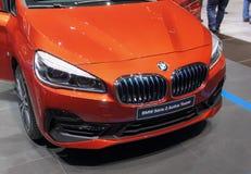 Schweiz; Genève; Mars 8, 2018; Aktivet Tou för BMW serie 2 Royaltyfri Fotografi