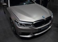 Schweiz; Genève; Mars 8, 2018; Berline för BMW serie 5 framdel; Arkivfoto