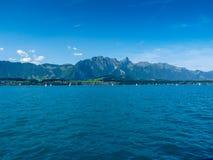 Schweiz Lauterbrunnen, SCENISK SIKT AV HAVET MOT BLÅ HIMMEL Royaltyfri Bild