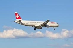 Schweizare A-320 Arkivfoton