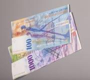Schweizare 1000 och 100 francanmärkningar Royaltyfri Foto