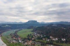 Schweizare Sachsen med Lilienstein Royaltyfri Fotografi