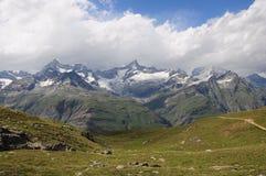 Schweizer Alpen. stockbild
