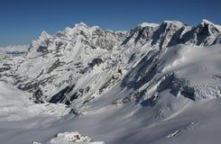 Schweizer Alpen im Winter Lizenzfreies Stockfoto