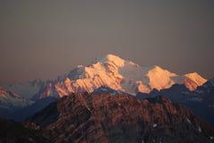 Schweizer Alpen am Sonnenuntergang Lizenzfreies Stockbild