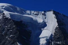 Schweizer Alpen: Wegen des Klimawandels, den die Gletscher schmelzen lizenzfreies stockfoto