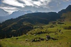 Schweizer alpines Dorf Lizenzfreie Stockfotografie