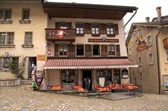 Schweizer Café in Gruyeres, die Schweiz Stockbild