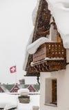 Schweizer Chalet lizenzfreie stockfotos
